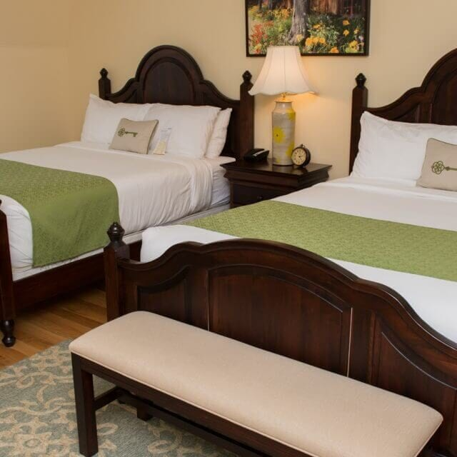 Mills Park Hotel Double Queen